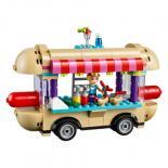 Конструктор LEGO Friends Парк развлечений Фургон с хот-догами Фото 2